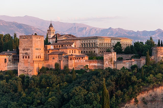 Compañia de luz y gas en Alhambra